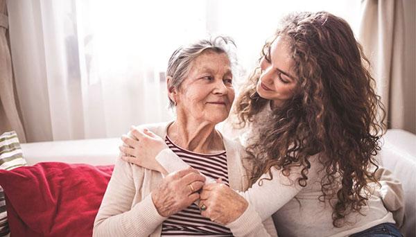 chăm sóc cha mẹ khi về già
